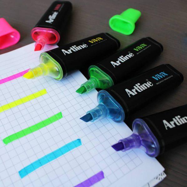 bút dạ quang màu đẹp Artline EK-670